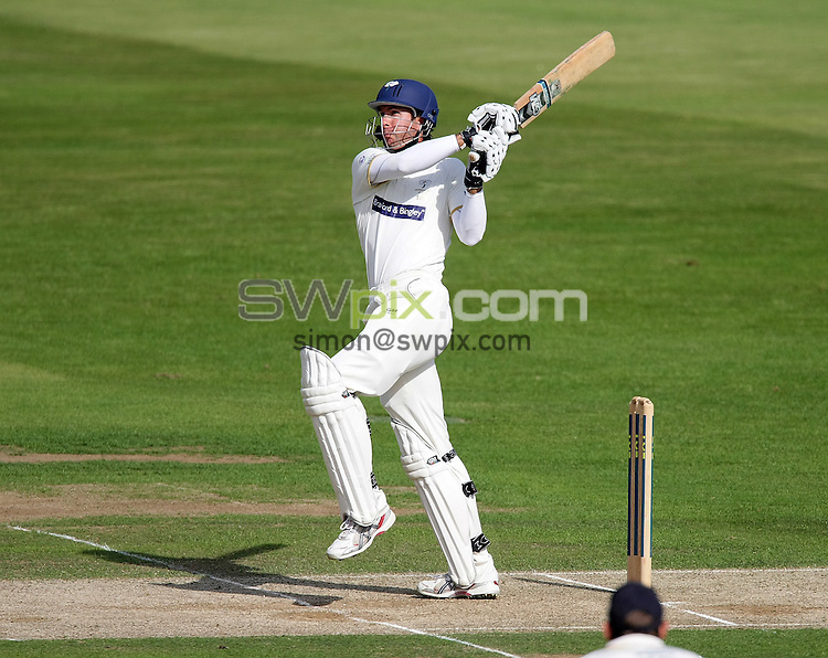 PICTURE BY VAUGHN RIDLEY/SWPIX.COM - Cricket - LV County Championship - Yorkshire v Durham, Day Two - Headingley, Leeds, England - 30/06/08...Copyright - Simon Wilkinson - 07811267706...Yorkshire's Michael Vaughan.