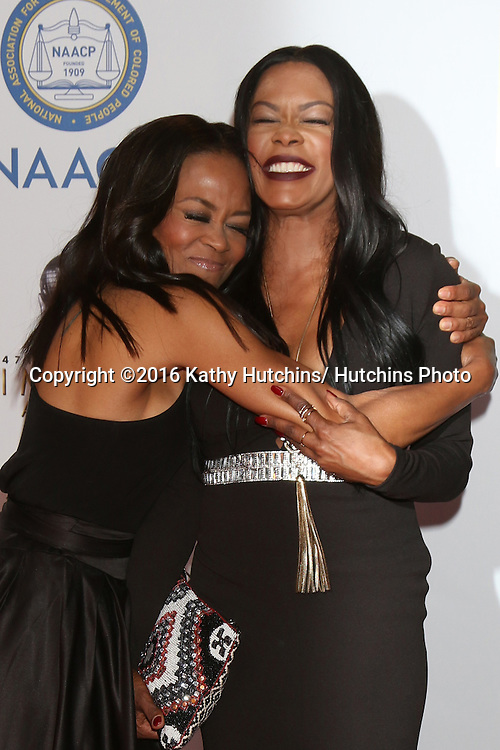 LOS ANGELES - FEB 5:  Robin Givens, Golden Brooks at the 47TH NAACP Image Awards Arrivals at the Pasadena Civic Auditorium on February 5, 2016 in Pasadena, CA