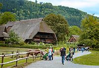Deutschland, Baden-Wuerttemberg, Ortenaukreis, Gutach: Schwarzwaelder Freilichtmuseum Vogtsbauernhof - der Vogtsbauernhof | Germany, Baden-Wurttemberg, Gutach: Black Forest Open Air Museum Vogtsbauernhof - farmhouse Vogtsbauernhof