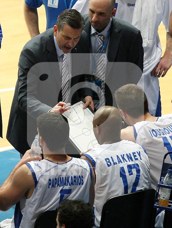 Panellinios Opap BC's coach Ilias Zouros during Eurocup Basketball Consolation Final match. April 18, 2010. (ALTERPHOTOS/Acero)
