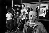 "England. August, 1981. Land Without a Hope. In Newcastle, almost all of the very young are skinheads. A catastrophic economic situation with three million unemployed, probably four million next year, Great Britain is bowed beneath the weight of the crisis. Factories and even whole cities no longer exist on the conomic map. The young poeple, who are the chief victims of this situation, are sinking into a state of despair. Gangs are multiplying, and in the streets, in night-clubs, it is the reign of the brutal metalheads, the provocative punks, the violent skinheads...and the silly sweetness of the ""romantics""."
