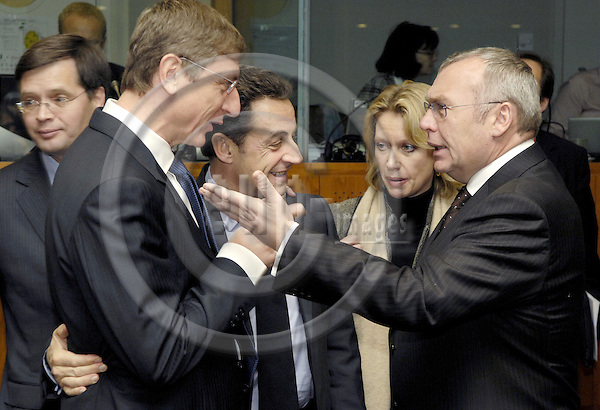 Brussels-Belgium - 14 December 2007---European Council, EU-summit under Portuguese Presidency; here, Jan Peter BALKENENDE (le), Prime Minister of The Netherlands, Ferenc GYURCSANY (2.le)(Gyurcsány), Prime Minister of Hungary, Nicolas SARKOZY (2.ri), President of France, Alfred GUSENBAUER (ri), Federal Chancellor of Austria---Photo: Horst Wagner/eup-images
