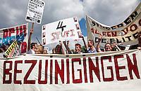 Studenten protesteren tegen bezuinigingen
