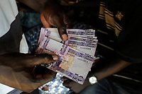 SOUTH SUDAN, Bahr al Ghazal region, Lakes State, town Rumbek , banknotes of 50 south sudanese pounds, inflation  / SUED-SUDAN  Bahr el Ghazal region , Lakes State, Rumbek , Geldscheine