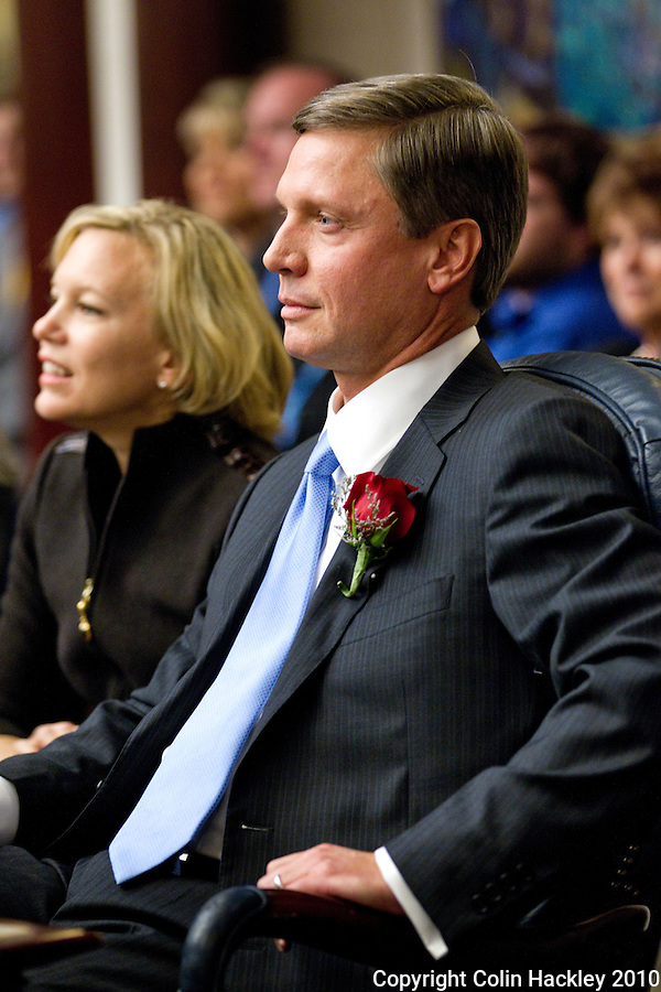TALLAHASSEE, FLA. 11/16/10-ORG.SESS111610HACKLEY-House Speaker Dean Cannon, R-Winter Park, and his wife Ellen listen to others nominate him to lead the House during Organizational Session of the Legislature Tuesday at the Capitol in Tallahassee...COLIN HACKLEY PHOTO