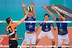28.10.2018, TUI Arena, Hannover<br />Volleyball, Supercup, Berlin Recycling Volleys vs. VfB Friedrichshafen<br /><br />Angriff Adam White (#11 Berlin) - Block / Doppelblock Bartlomiej Boladz (#1 Friedrichshafen), Jakob GŸnthšr / Guenthoer (#12 Friedrichshafen)<br /><br />  Foto © nordphoto / Kurth