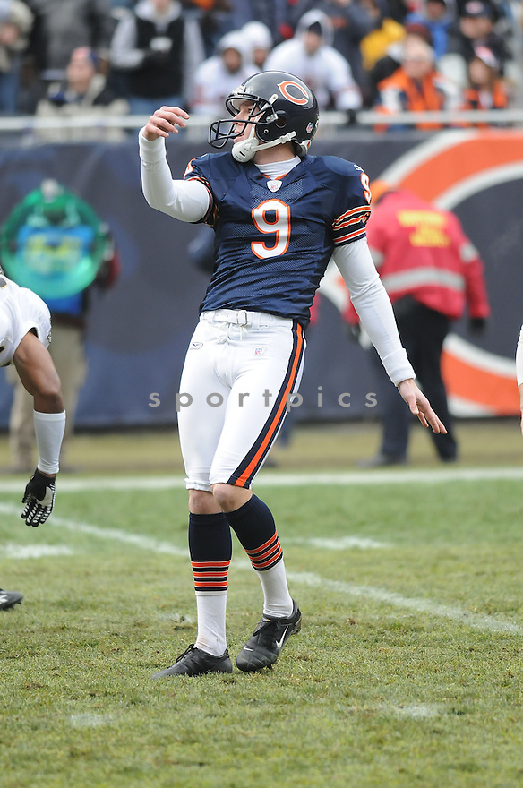 ROBBIE GOULD, of the Chicago Bears  in action during the  Bears game against the New Orleans Saints on December 30, 2007 in Chicago, Illinois...BEARS win 33-25..SportPics
