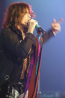 12/18/03 Inglewood, CA: Aerosmith in concert at the LA Forum