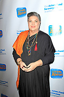 LOS ANGELES - DEC 5: Mindy Cohn at The Actors Fund's Looking Ahead Awards at the Taglyan Complex on December 5, 2017 in Los Angeles, California