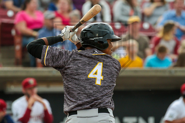 Quad Cities River Bandits third baseman Wander Franco (4) during a Midwest League game against the Wisconsin Timber Rattlers on June 8, 2017 at Fox Cities Stadium in Appleton, Wisconsin.  Wisconsin defeated Quad Cities 8-3. (Brad Krause/Krause Sports Photography)