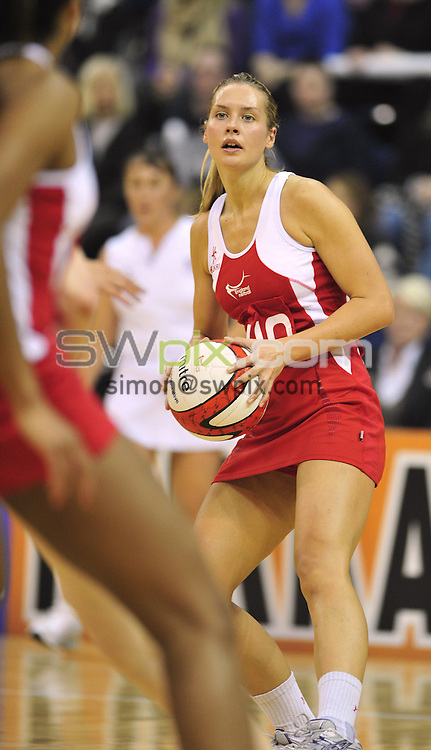 PICTURE BY VAUGHN RIDLEY/SWPIX.COM - Netball - The Co-operative International Netball Series 2010, 2nd Test - England v Australia - Trent FM Arena, Nottingham, England - 21/02/09...Copyright - Simon Wilkinson - 07811267706...England's Tamsin Greenway.
