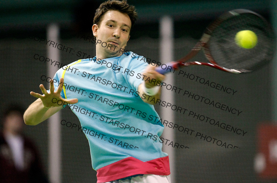 Tennis.Gemax Open 2010.Alex Bogdanovic (GBR) Vs. Michal Przysiezny (POL).Alex Bogdanovic returnes.Belgrade, 17.02.2010..foto: Srdjan Stevanovic©.