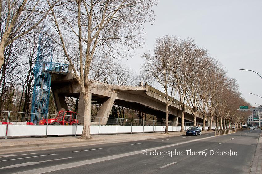 Issy les Moulineaux, 2010, Déconstruction de la rampe d'accès à le Tiru