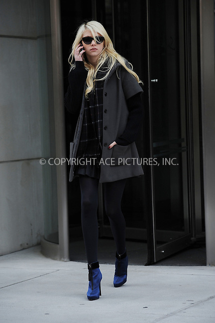 WWW.ACEPIXS.COM . . . . . ....December 2 2009, New York City....Actress Taylor Momsen on the set of the TV show 'Gossip Girl' on December 2 2009 in New York City....Please byline: KRISTIN CALLAHAN - ACEPIXS.COM.. . . . . . ..Ace Pictures, Inc:  ..(212) 243-8787 or (646) 679 0430..e-mail: picturedesk@acepixs.com..web: http://www.acepixs.com