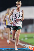Travis Neuman (963) of Oregon competes in 10000 meter semifinal during West Preliminary Track and Field Championships, Friday, May 29, 2015 in Austin, Tex. (Mo Khursheed/TFV Media via AP Images)