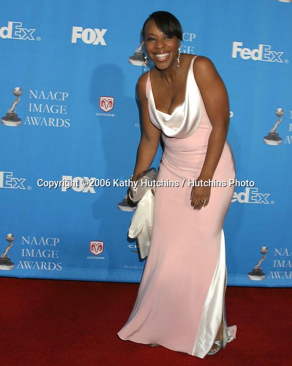 Marianne Jean Baptiste.37th NAACP Image Awards.Shrine Auditorium.Los Angeles, CA.February 25, 2006.©2006 Kathy Hutchins / Hutchins Photo....                 V