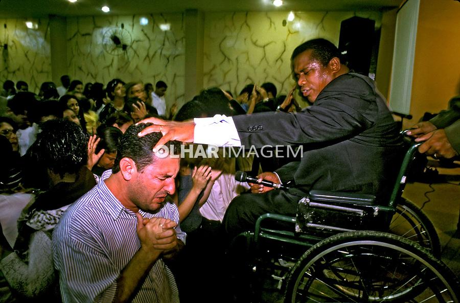 Culto  em igreja evangélica. Rio de Janeiro. 1999. Foto de Ricardo Azoury.
