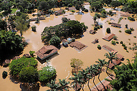 JUATUBA/ MINAS GERAIS / BRASIL (06.01.2012) - Em Juatuba (MG), casas ficam cobertas pelas aguas do Rio Paraopeba. Foto: Douglas Magno / News Free
