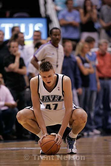 Salt Lake City - Utah Jazz vs. Golden State Warriors, NBA Playoff basketball, Game 5, at EnergySolutions Arena. Utah Jazz forward Andrei Kirilenko (47), of Russia,