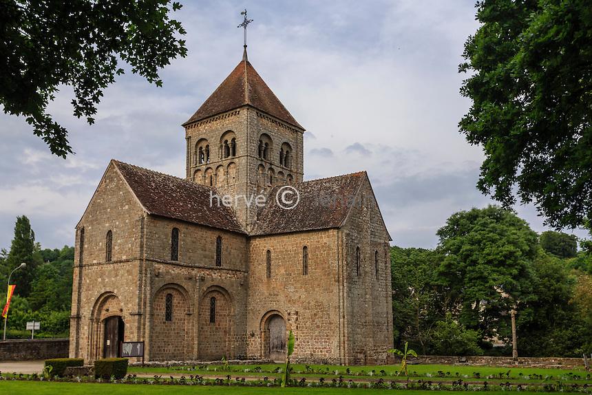 France, Orne (61), Domfront, église Notre-Dame sur l'Eau // France, Orne, Domfront, Notre-Dame sur l'Eau church