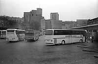 SERBIA, Belgrade, 03/2003..Bus station of Belgrade. The bus leaves Belgrade and goes through the Novi Beograd quarter. .SERBIE, Belgrade, 03/2003..Photo prise depuis le bus qui relie Belgrade à Sarajevo. Le bus quitte Belgrade et traverse le quartier de Novi Belgrade. © Bruno Cogez / Est&Ost Photography