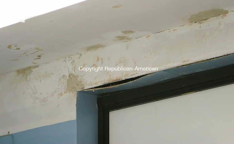 WATERBURY, CT 01/25/08- 012508BZ05- Water damage has occurred around some windows inside Tinker School in Waterbury. <br /> Jamison C. Bazinet Republican-American