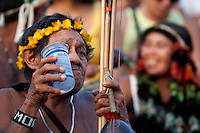 IV Jogos Tradicionais Indígenas do Pará<br /> <br /> Araweté<br /> <br /> Quinza etnias participam dos  IX Jogos Indígenas, iniciados neste na íntima sexta feira. Aikewara (de São Domingos do Capim), Araweté (de Altamira), Assurini do Tocantins (de Tucuruí), Assurini do Xingu (de Altamira), Gavião Kiykatejê (de Bom Jesus do Tocantins), Gavião Parkatejê (de Bom Jesus do Tocantins), Guarani (de Jacundá), Kayapó (de Tucumã), Munduruku (de Jacareacanga), Parakanã (de Altamira), Tembé (de Paragominas), Xikrin (de Ourilândia do Norte), Wai Wai (de Oriximiná). Participam ainda as etnias convidadas - Pataxó (da Bahia) e Xerente (do Tocantins). <br /> <br /> <br /> Mais de 3 mil pessoas lotaram as arquibancadas da arena de competição.<br /> Praia de Marudá, Marapanim, Pará, Brasil.<br /> Foto Paulo Santos<br /> 06/09/2014
