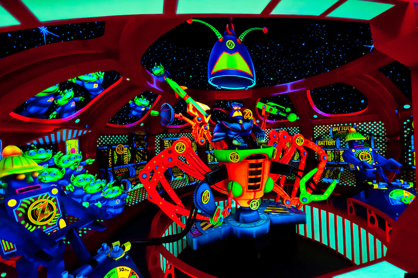 Buzz Lightyear S Space Ranger Spin Ride Magic Kingdom Walt Disney