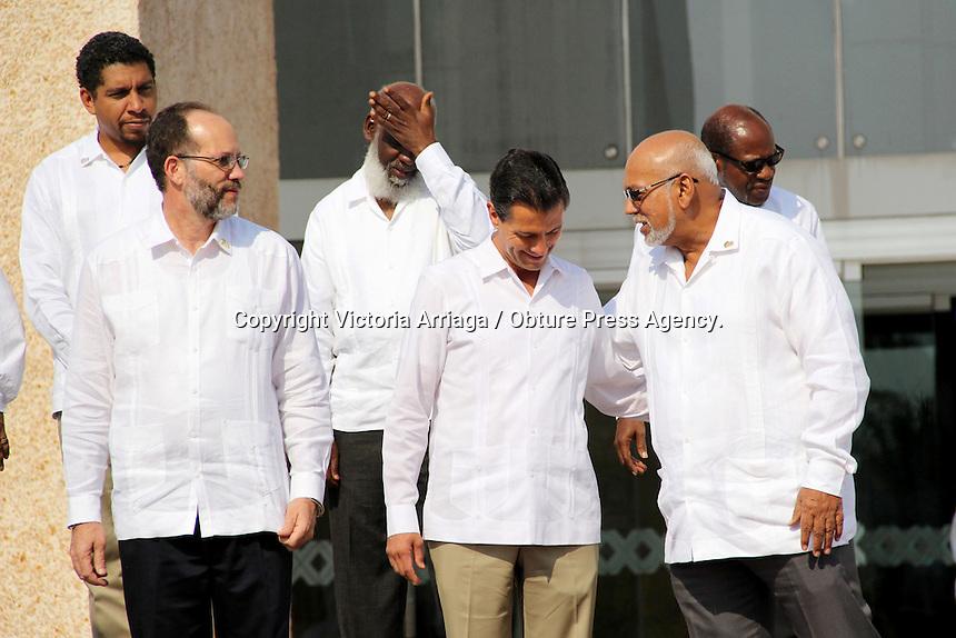M&eacute;rida Yucat&aacute;n, 29 de abril de 2014.- El presidente de M&eacute;xico, Enrique Pe&ntilde;a Nieto acudi&oacute; a la inauguraci&oacute;n de la tercera Cumbre de Estados del Caribe (Caricom) que tiene como estado sede a Yucat&aacute;n.<br /> <br /> <br /> Durante esta reuni&oacute;n el primer mandatario mexicano anunci&oacute; la inversi&oacute;n de 14 mdp para que los pa&iacute;ses hermanos del Caribe puedan hacer frente a desastres naturales como huracanes y sismos.<br /> <br /> <br />  As&iacute; como la implementaci&oacute;n del programa de preparaci&oacute;n t&eacute;cnica cient&iacute;fica 2014-2015, que incluir&aacute; la capacitaci&oacute;n  de docentes en espa&ntilde;ol como segunda lengua para pa&iacute;ses caribe&ntilde;os, estad&iacute;sticas para el dise&ntilde;o e instrumentaci&oacute;n de pol&iacute;ticas p&uacute;blicas, incubaci&oacute;n de empresas con base tecnol&oacute;gica, as&iacute; como prevenci&oacute;n y atenci&oacute;n de enfermedades.<br /> <br /> <br /> Foto: Victoria Arriaga / Obture Press Agency.
