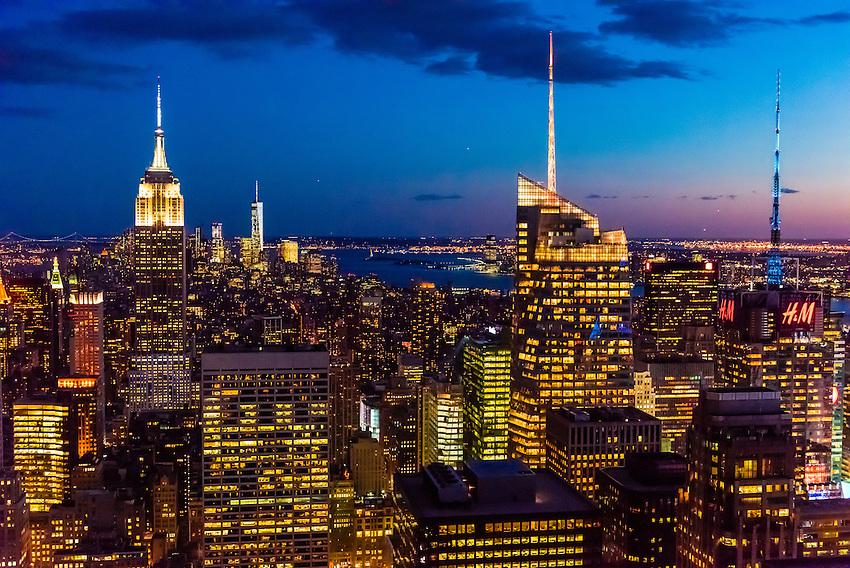 Skyline of Midtown Manhattan at twilight, New York, New York USA.