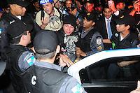 RIO DE JANEIRO,RJ,19.09.2013: AMORDAÇADOS PELA DITADURA- Manifestantes fizeram um protesto no Centro do Rio contra e repressão e a prisão de manifestantes. O grupo se reuniu na Candelária as 18 horas e sairam em passeata até a sede da prefeitura ocupando a Avenida Presidente Vargas. O trânsito foi desviado por policiais e agentes da Sete Rio. SANDROVOX/BRAZILPHOTOPRESS