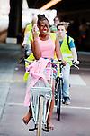 Amsterdam, 12 mei 2016<br /> Fietsers (toeristen met gids) rondom Amsterdam Centraal Station, fietstunnel<br /> Foto Felix Kalkman