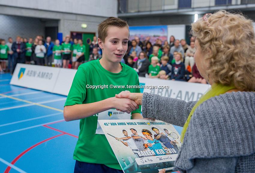 Rotterdam, Netherlands, December 13, 2017, Topsportcentrum, Ballkids selection day for ABNAMROWTT 2018,  <br /> Photo: Tennisimages/Henk Koster
