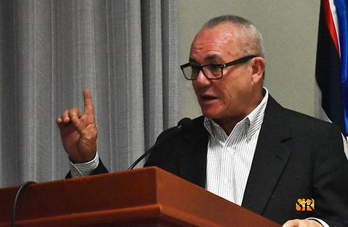 Pedro Carreras Aguilera, autor del libro Una centuria tocando acordeón: De Ñico Lora a Tatico Henriquez.