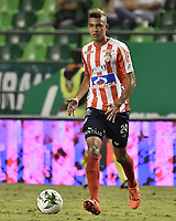 PALMIRA - COLOMBIA, 17-04-2019: Victor Cantillo del Junior en acción durante el partido por la fecha 16 de la Liga Águila I 2019 entre Deportivo Cali y Atlético Junior jugado en el estadio Deportivo Cali de la ciudad de Palmira. / Victor Cantillo of Junior in action during match for the date 16 between Deportivo Cali and Atletico Junior of the Aguila League I 2019 played at Deportivo Cali stadium in Palmira city .  Photo: VizzorImage / Gabriel Aponte / Staff