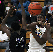 Pontiac at Auburn Hills Avondale, Boys Varsity Basketball, 1/19/16