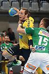 Rhein Neckar L&ouml;we Kim Ekdahl du Rietz (Nr.60) gegen G&ouml;ppingens Zarko Sesum (Nr.15) beim Spiel in der Handball Bundesliga, Rhein Neckar Loewen - FRISCH AUF! Goeppingen.<br /> <br /> Foto &copy; PIX-Sportfotos *** Foto ist honorarpflichtig! *** Auf Anfrage in hoeherer Qualitaet/Aufloesung. Belegexemplar erbeten. Veroeffentlichung ausschliesslich fuer journalistisch-publizistische Zwecke. For editorial use only.