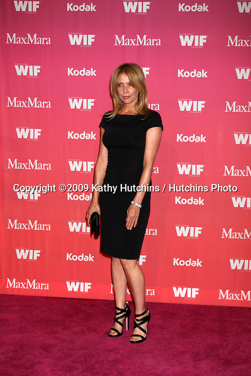 Rosanna Arquette arriving at the Women in Film Annual Crystal & Lucy Awards at the Century Plaza Hotel in Century City , CA on June 12, 2009.  .©2009 Kathy Hutchins / Hutchins Photo