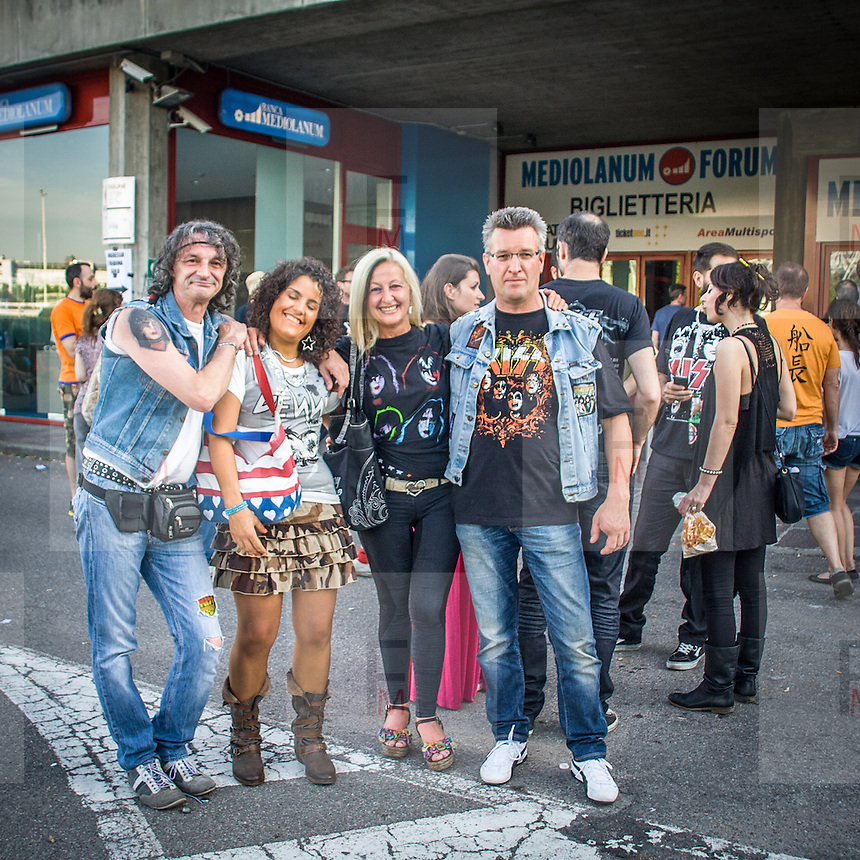 I fans dei Kiss al concerto del Forum Assago, vicino a Milano, nelle uniche due tappe del tour italiano della band americana.<br /> <br /> The Kiss fans at the concert in Assago, close to Milan, in the only two dates of the italian tour of the american rock band.