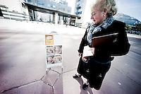 Témoin de Jéhovah - World Trade Center de Grenoble.<br /> <br /> Au même moment, à quelques mètres, on discute d'émergence, on questionne les dynamiques qui, à l'oeuvre, modèlent la planète.  <br /> <br /> festival de géopolitique et de géoéconomie Grenoble Ecole de Management.