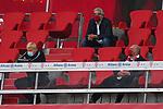 23.05.2020, Allianz Arena, nph00250, , München, GER, 1.FBL, FC Bayern München vs Eintracht Frankfurt 23.05.2020 , <br /><br />Nur für journalistische Zwecke!<br /><br />Gemäß den Vorgaben der DFL Deutsche Fußball Liga ist es untersagt, in dem Stadion und/oder vom Spiel angefertigte Fotoaufnahmen in Form von Sequenzbildern und/oder videoähnlichen Fotostrecken zu verwerten bzw. verwerten zu lassen. <br /><br />Only for editorial use! <br /><br />DFL regulations prohibit any use of photographs as image sequences and/or quasi-video..<br />im Bild<br /> Uli HOENESS (FCB),  Oliver KAHN, CEO FCB, Joerg WACKER, managing director international affairs <br />    <br /> Foto: Peter Schatz/Pool/Bratic/nordphoto