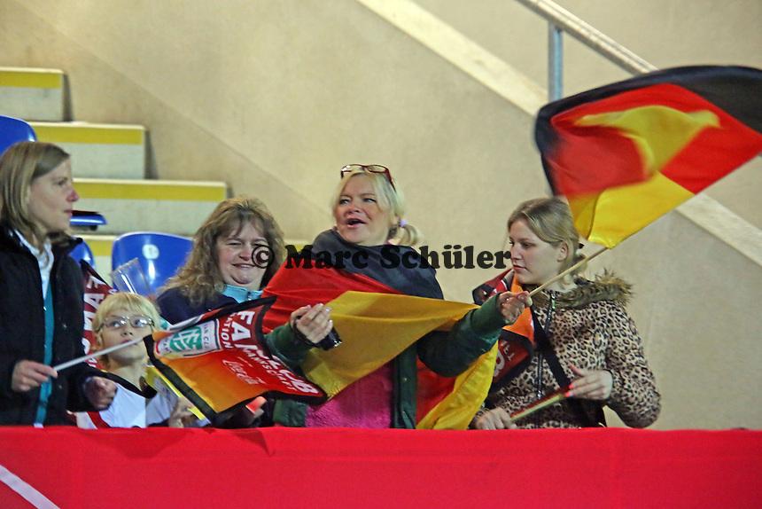 Deutsche Fans feuern an - Deutschland vs. Kroatien, WM-Qualifikation, Frankfurter Volksbank Stadion