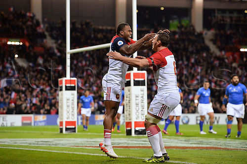 12.11.2016. Stadium Toulouse, Toulouse, France. Autumn International rugby match, France versus Samoa.  Virimi Vakatawa (fra) celebrates as he reverses to break two tackles and score a try shown with Louis Picamoles (fra)