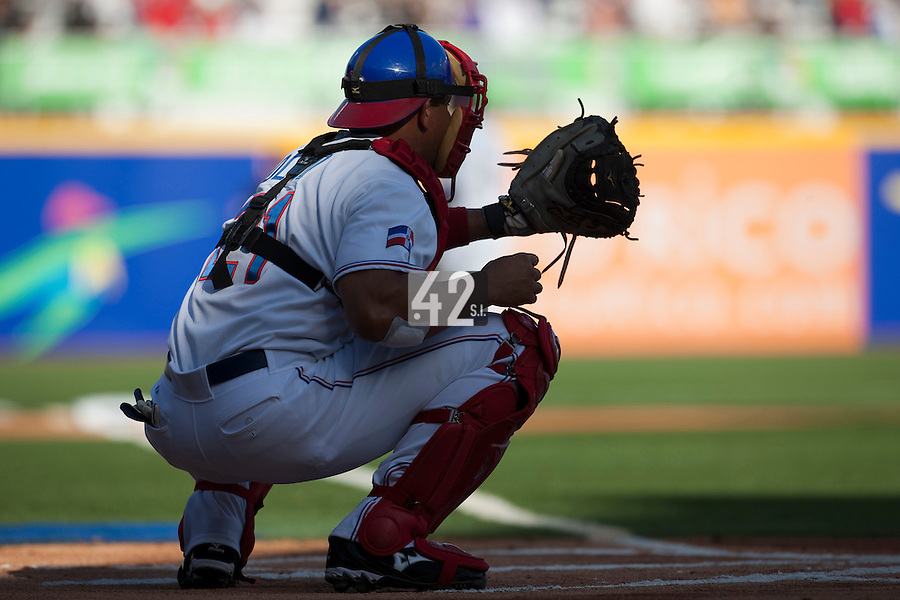 8 March 2009: #21 Miguel Olivio of Dominican Republic is seen catching during the 2009 World Baseball Classic Pool D match at Hiram Bithorn Stadium in San Juan, Puerto Rico. Dominican Republic wins 9-0 over Panama.