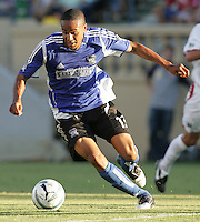 23 July 2005: Ricardo Clark of the Earthquakes in action against the MetroStars at Spartan Stadium in San Jose, California.  Earthquakes defeated MetroStars, 2-1.  Credit: Michael Pimentel / ISI