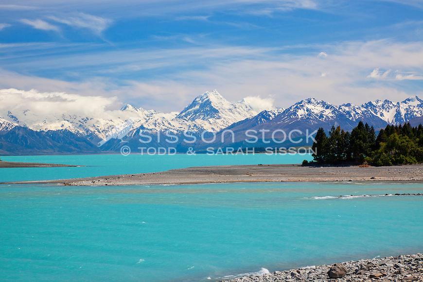 Glacial blue waters of Lake Pukaki with Mt Cook / Aoraki behind