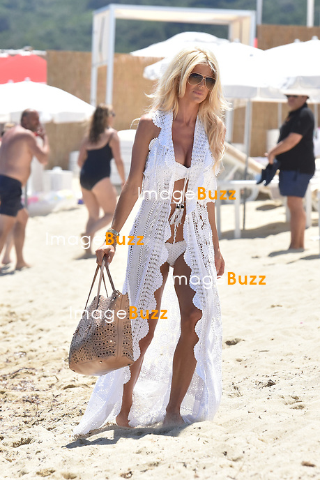 Exclusive - Victoria Silvstedt &amp; boyfriend Maurice Dabbah enjoy some vacation in Saint-Tropez, France.<br /> France, Saint-Tropez, 3 July  2016