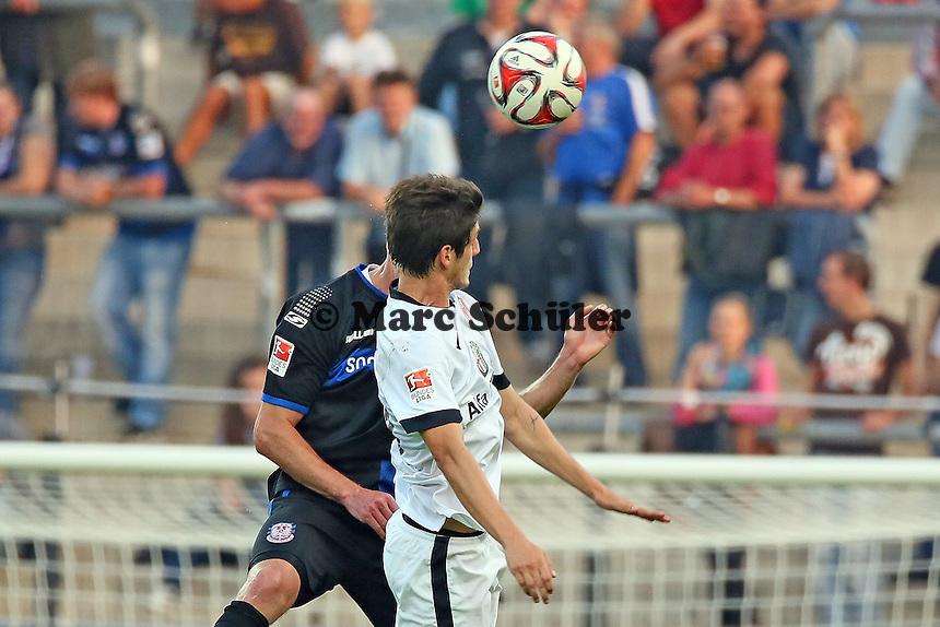 Lucas Piazon (Eintracht) gegen Manuel Konrad (FSV) - FSV Frankfurt vs. Eintracht Frankfurt, Frankfurter Volksbank Stadion