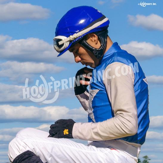 Daniel Centeno aboard Charlesbrecknridge winning at Delaware Park on 8/22/16