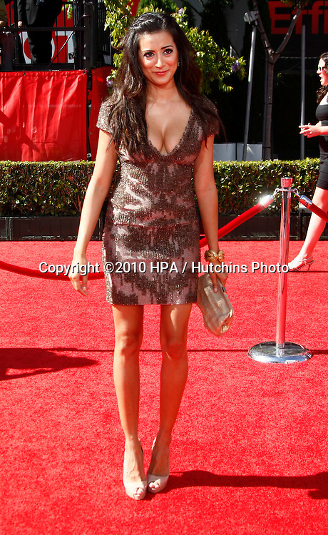 LOS ANGELES - JUL 14:  Noureen DeWulf arrives at the 2010 ESPY Awards at Nokia Theater - LA Live on July14, 2010 in Los Angeles, CA ....